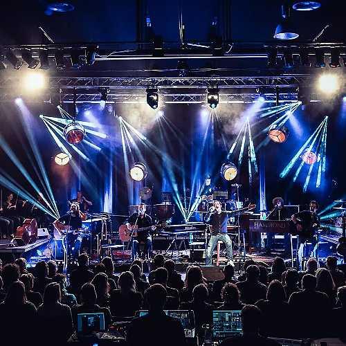 Konzert - Bühne und Lichtinstallation